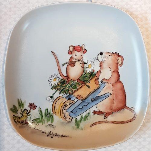 Assiette porcelaine carrée souris bobine